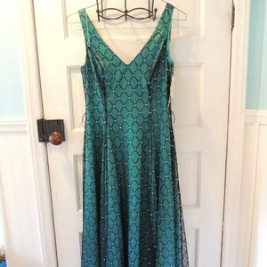Adrianna Papell Boutique prom dress bridesmaid 8